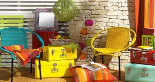 Outdoor Decorating Ideas From Junk | Easy to create budget-friendly outdoor deco...